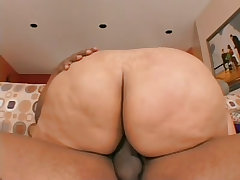 Big black babe loves to bounce